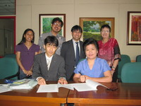 contract20signing-thumb-200x150-589.jpg
